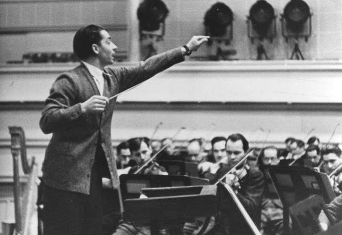 Bundesarchiv_Bild_183-R92264,_Herbert_von_Karajan.jpg