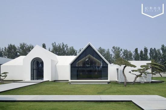 马场改造成的美术馆,竟然美到不像话!