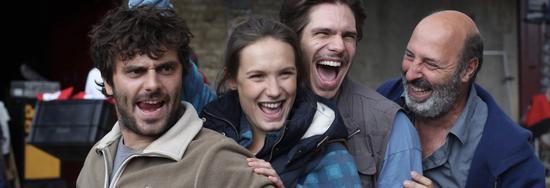 片场:Cédric Klapisch(右一)和影片中的三兄妹