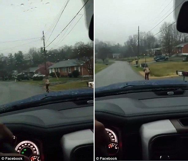 虎爹!男子因儿子欺凌行为 惩罚其在雨中跑步去学校